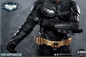 UD Replicas Creates Batman's Identical Dark Knight Suit