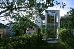 The Detached House in Orsay by Eva Samuel Architecte et Associes is Divine