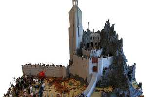 This Hornburg at Helm's Deep Model Honors Lord of the Rings Using LEGO