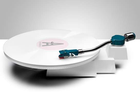 iPod-Inspired Turntables