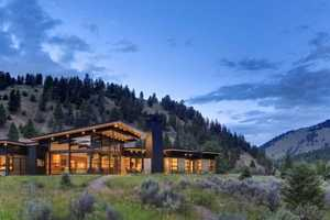 The River Bank House by Balance Associates Architects is Spectacular