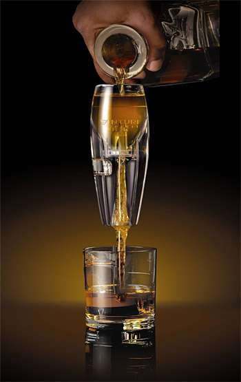 Boozy Air-Infusing Gadgets - Take Your Drinks to the Next Level with the Vinturi Spirit Aerator