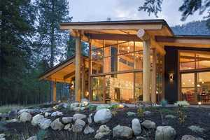 'Canyon House' by Balance Associates Architects is Stunning