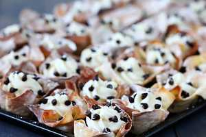 The 'Gimme Some Oven' Easy Cannoli Cups are Bite-Sized