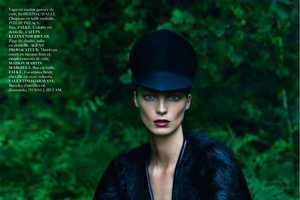 The 'Le Noir Partie 4' Vogue Paris Editorial Stars Supermodel Daria Werbowy