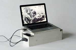 The Foundation Laptop Stand Upholds the Promise of a Sturdy Surface