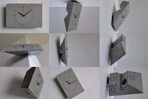 The About Face Clock by MOTATOE Turns in Any Direction
