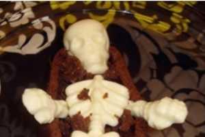 The Coffin Dessert Pan Will Make Creative Halloween Treats