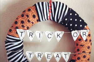 The Dear Nicole Halloween Wreaths Can Scare Trick-or-Treaters