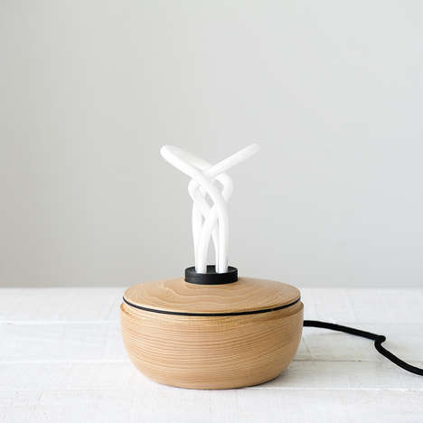 Dama Table Lamp