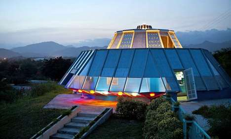 UFO-Inspired House - Roberto Sanchez Rivera Built His Own Livable