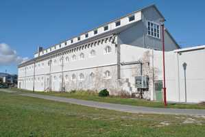 Jailhouse Accommodation Houses Itinerants Rather Than Internees