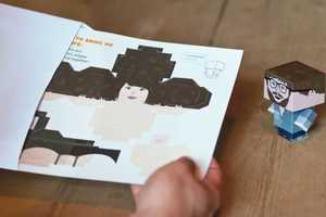 Foldable.Me Creates 3D Cardboard People for the Art Lover