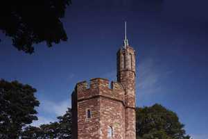 The Lymm Water Tower is Converted into a Modern Manison