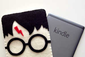 Harry Potter Kindle Cozies by Life Geekery are Adorable