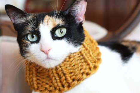 Knitted Scarf for Cats