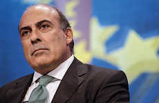 Potential of Young Generations - Muhtar Kent's Uplifting Graduation Speech Talks Responsibility