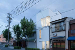 The Osaka House by Ido Kenji Architectural Studio Optimizes Spacial Capacity