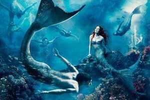 Julianne Moore is Little Mermaid