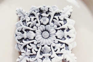 This Stunning Snowflake Cleanser Emulates Gorgeous Detailing