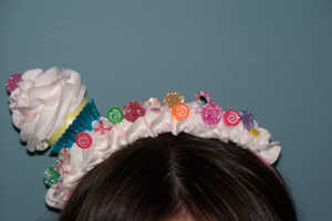 This Fake Cupcake Headband Channels Katy Perry