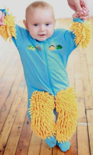 Floor-Scrubbing Infant Jumpers