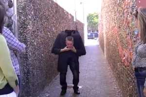Rich Ferguson Performs a Scary Head Drop Illusion to Strangers