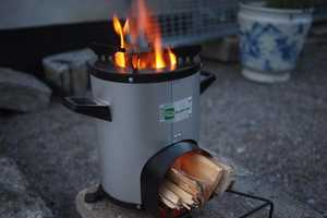 The Greenway Smart Stove Generates Less Smoke and Uses Less Fuel