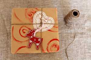 This DIY Gift Wrapping is the Perfect Accent for a Great Gift