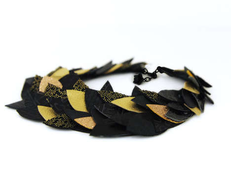 Thousand leaves choker necklace