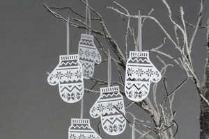 Mitten Christmas Tree Decorations are Made from Paper