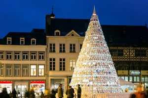 The Mooz 'Taste Tree' Spreads the Christmas Spirit