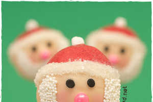 The Santa Christmas Cake Pops are a Merry Holiday Snack