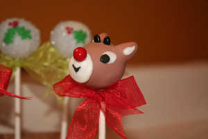 Rudolph the Red Nosed Reindeer Cake Pops are Adorable Delights