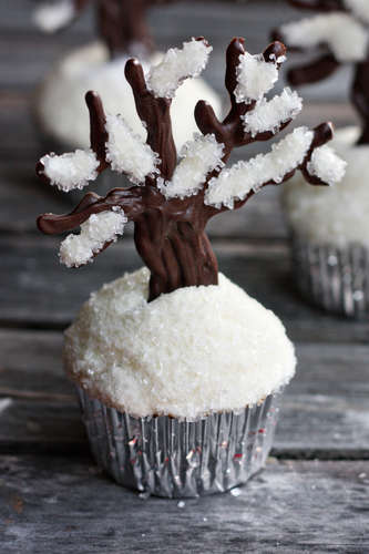 Blistery Snowy Tree Treats - The 'Let It Snow' Cupcakes Are Delightfully Sweet for Winter
