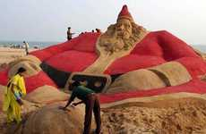 Sand-based Santa Displays