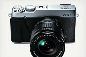 The Fujifilm X-E1 Camera Looks Like a SLR But Is Really Digital