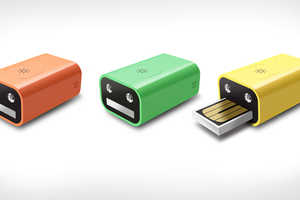 The Face Flash Drive and Flashlight Fulfills Two Functions in a Tiny Box