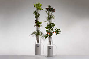 The Windowfarms Project Launches a New Vertical Food Garden