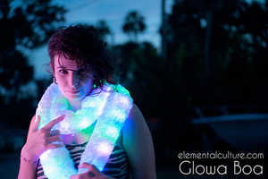 Brighten up any Party Atmosphere with the Glowa Light-Up Boa