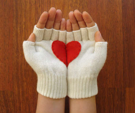 Heart Gloves by Yastikizi