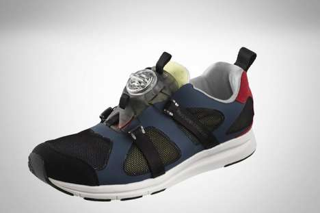 Disc-Tightening Kicks - These Bold Puma Running Shoes Adjust with the Turn of a Wheel