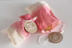 Design Mom Blog Shows How to Make Cute Valentine's Gift Wrapping Bags