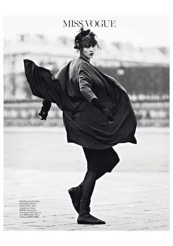 Karlie Kloss Vogue Paris