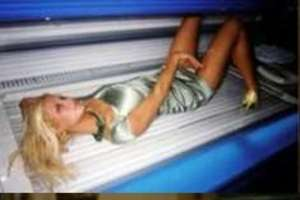 Paris Hilton & Lindsay Lohan's Private Pics