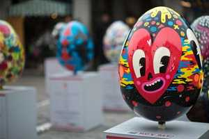 Lindt Sponsors the UK's Biggest Easter Egg Hunt