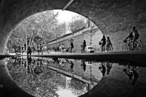 Joanna Lemanska Captured the City of Paris Through Reflections