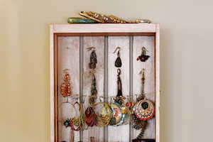 This Easy-to-Make Jewelry Organizer Beautifully Displays Your Accessories