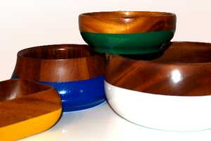 The Bowly Powly Vintage Wooden Bowls Reinvigorates Trashed Dishes