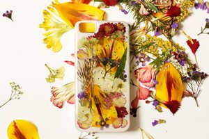 This DIY Smartphone Cover is Made From Pressed Wild Flowers